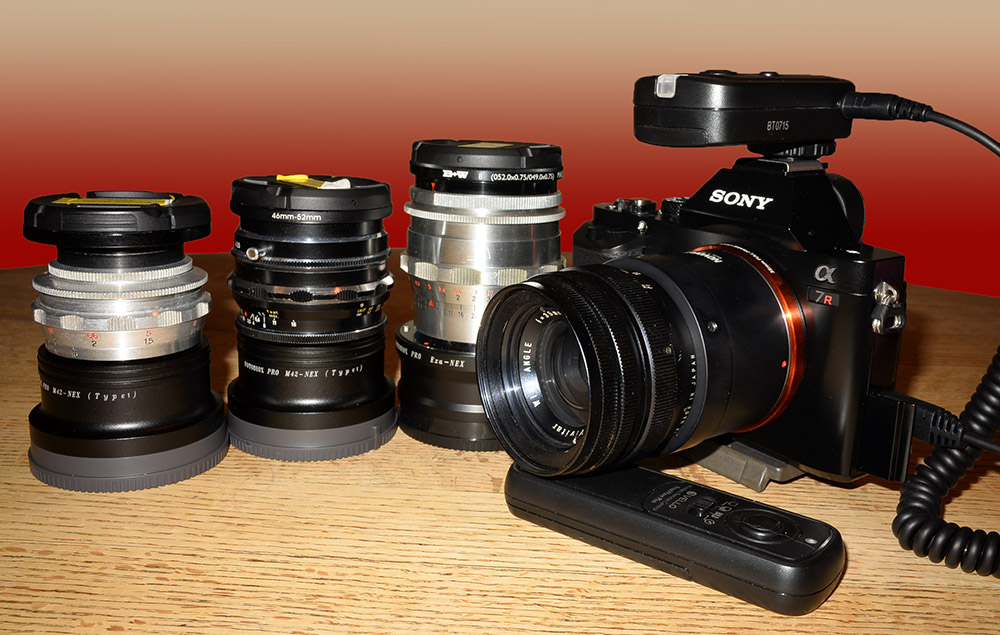 Attached Image: sony_and_lenses.jpg