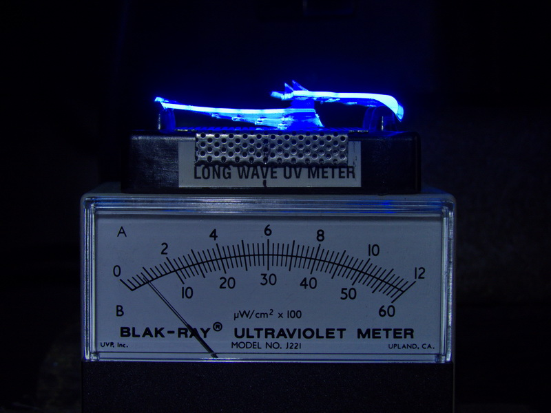 Attached Image: UV meter & sides with vent holes of polycarbonate goggles©DNoe_resize.jpg