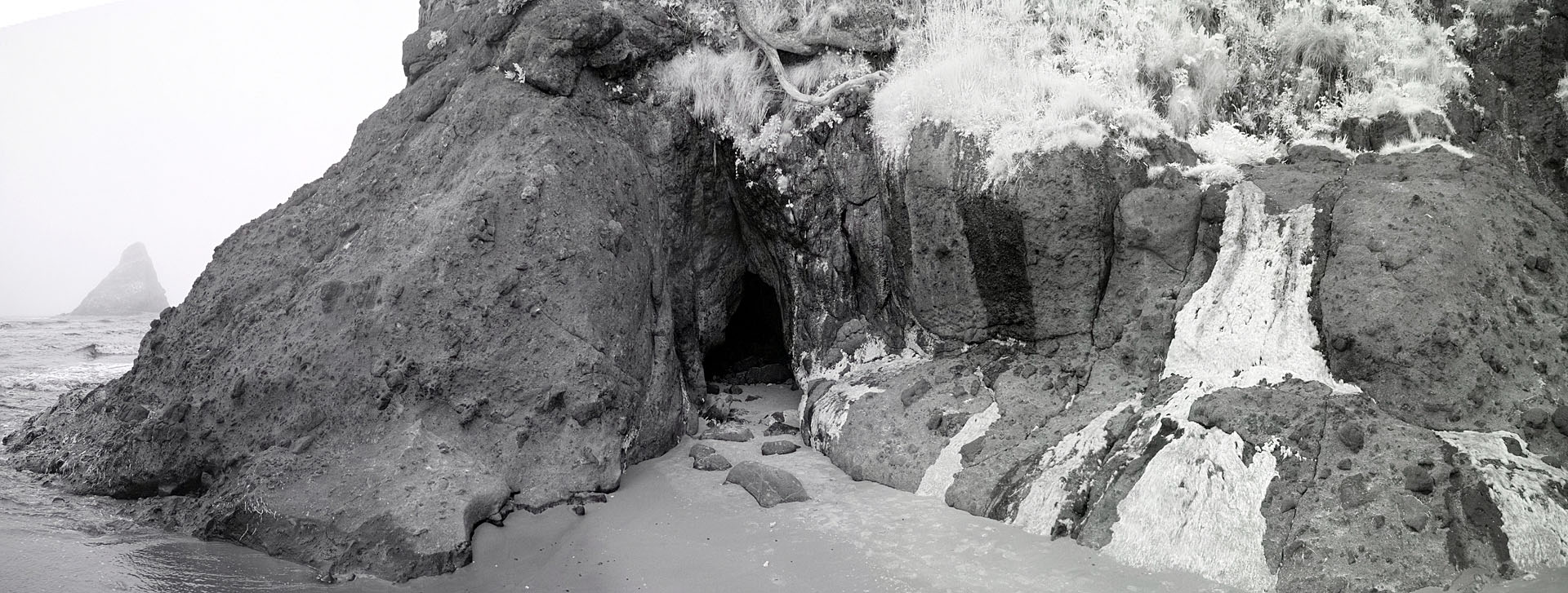 Attached Image: coast_cave_pan_1920.jpg