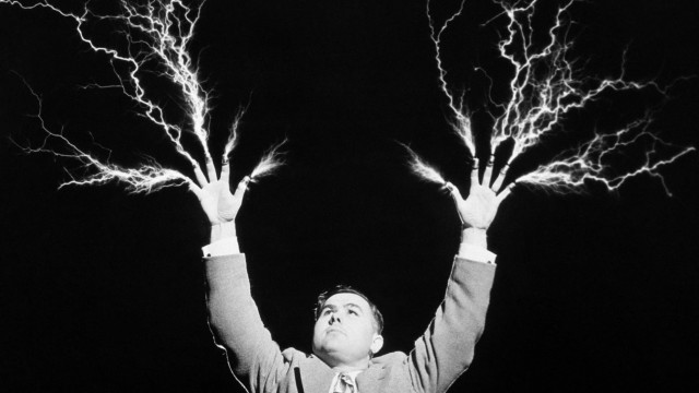Attached Image: mad-scientist-lightning-640x360.jpg